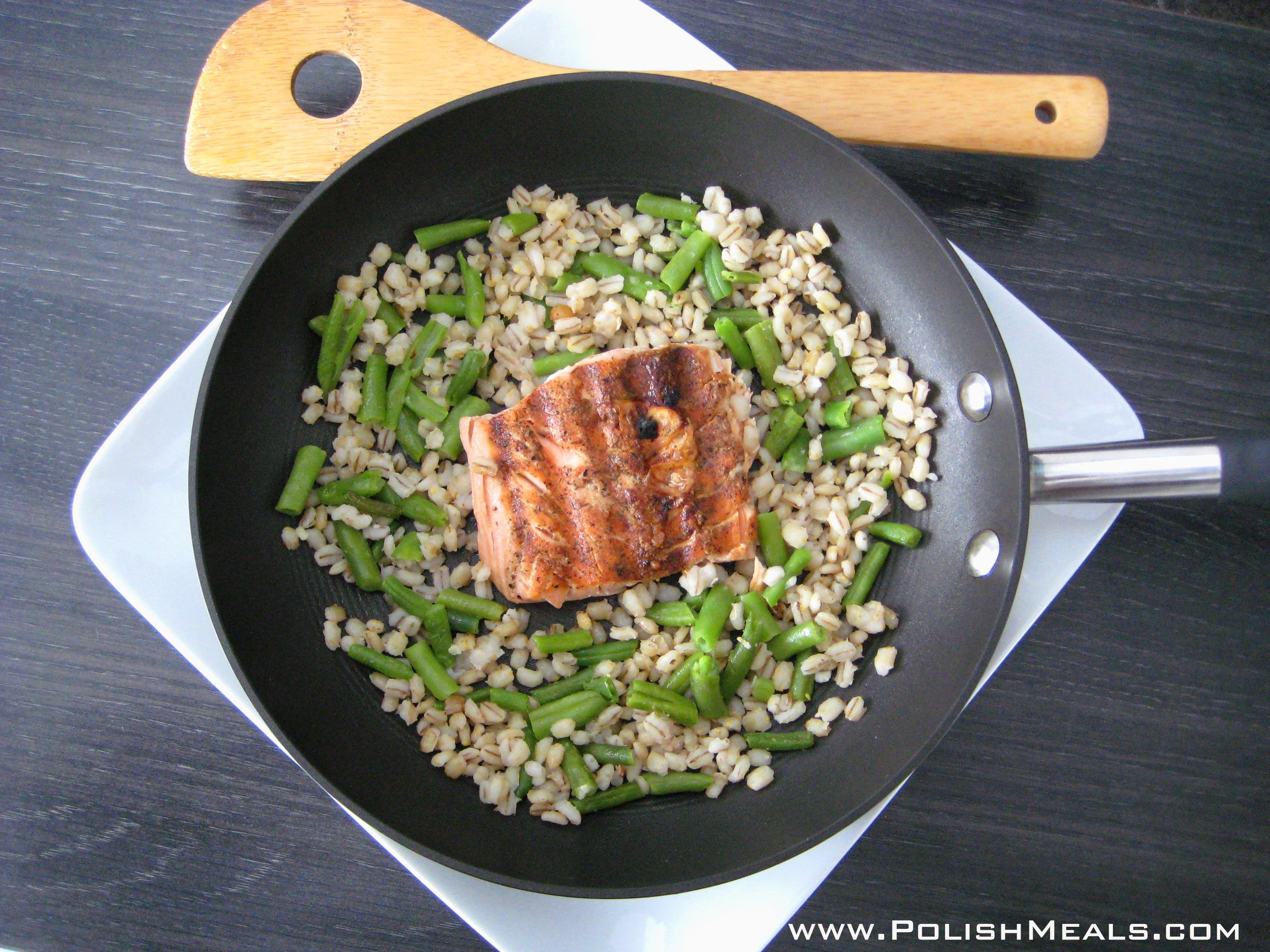 salmon w barley w stringbeans