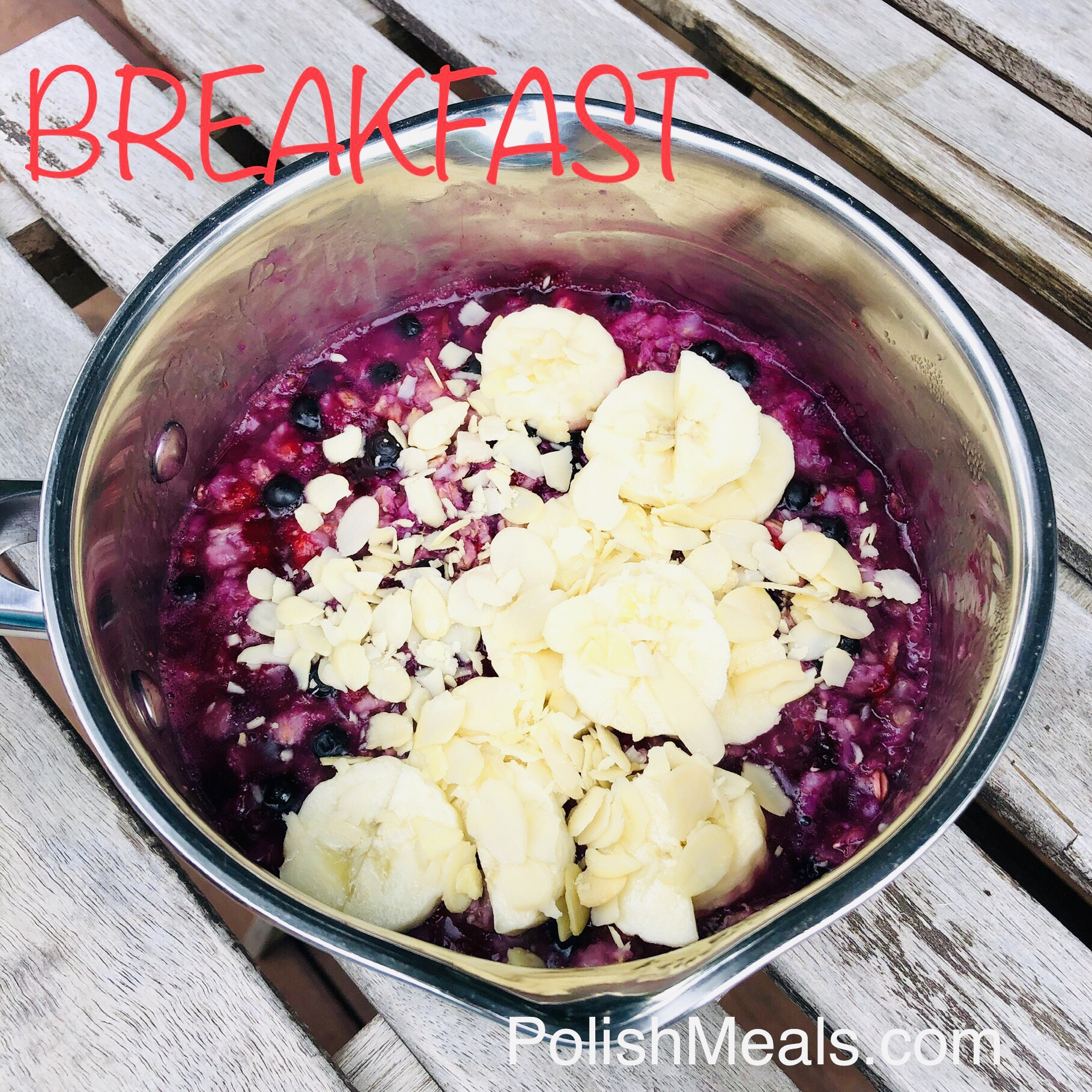 healthy oatmeal with berries and almonds
